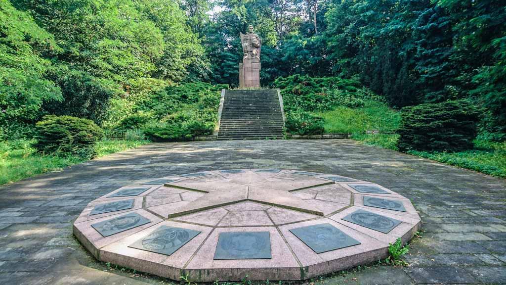 Sowjetischer Ehrenfriedhof in Müncheberg © Berlins Taiga - Dein Ausflugsführer in die sowjetische Geschichte