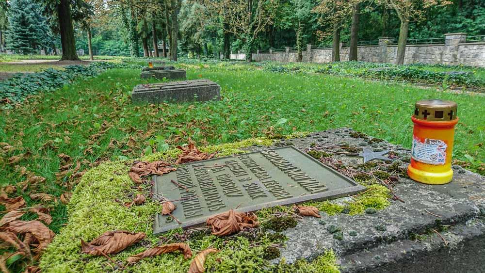Sowjetischer Ehrenfriedhof Baruth / Mark © Berlins Taiga - Dein Ausflugsbegleiter in die sowjetische Geschichte