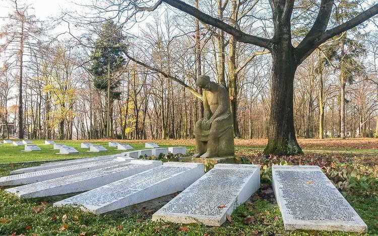 sowjetischer ehrenfriedhof spremberg
