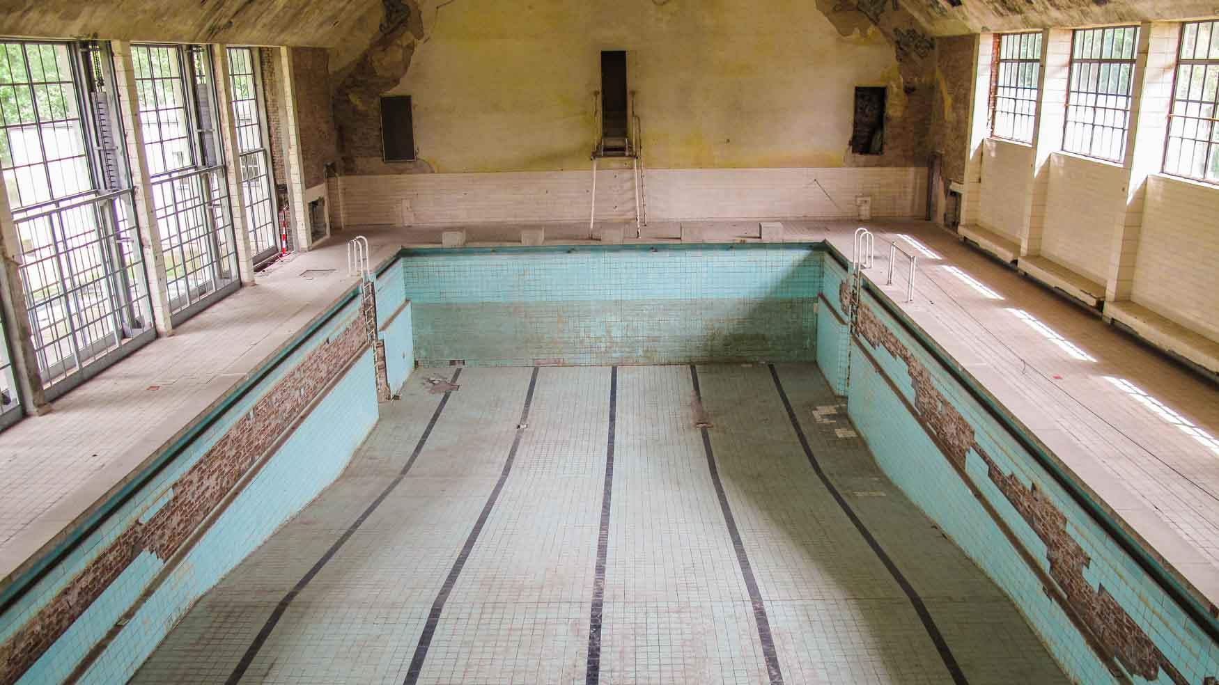 Verlassenes Schwimmbad Olympisches Dorf Elstal