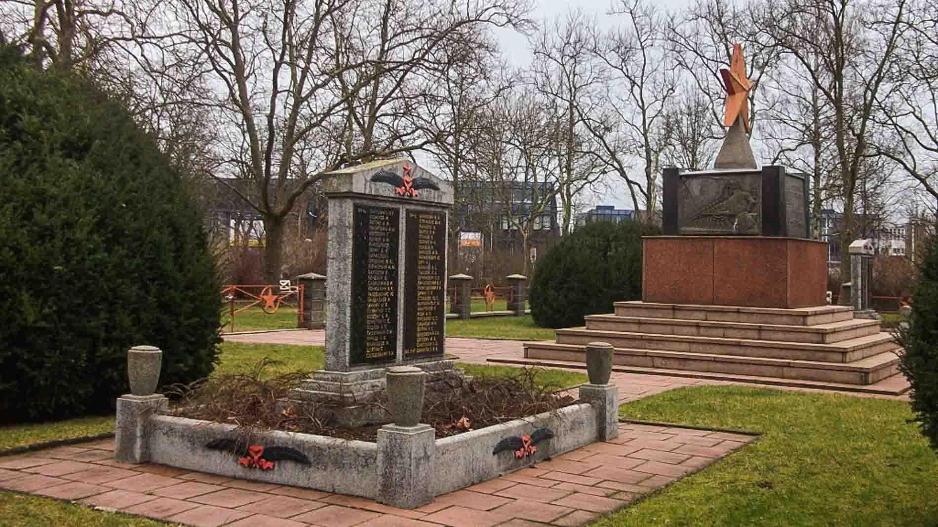 sowjetischer ehrenfriedhof hennigsdorf rathenaupark