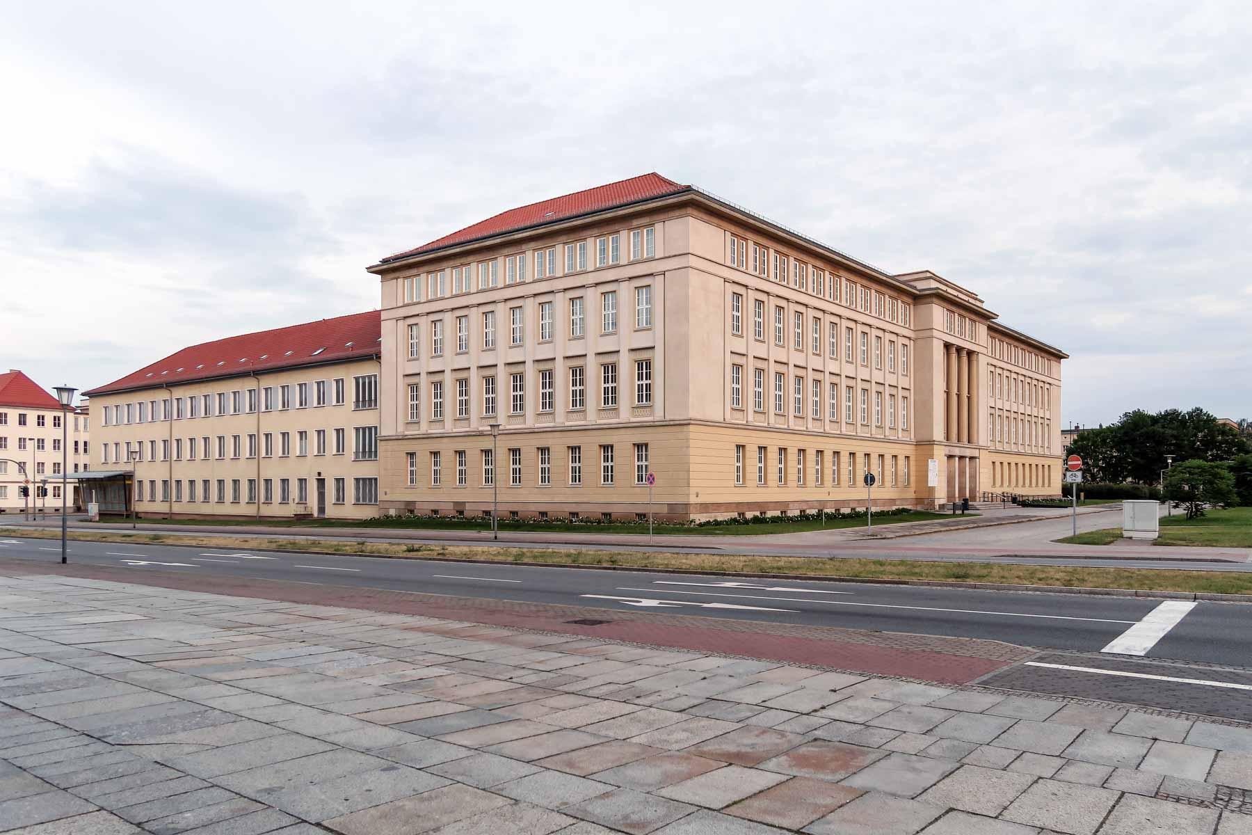Rathaus Architektur Eisenhüttenstadt