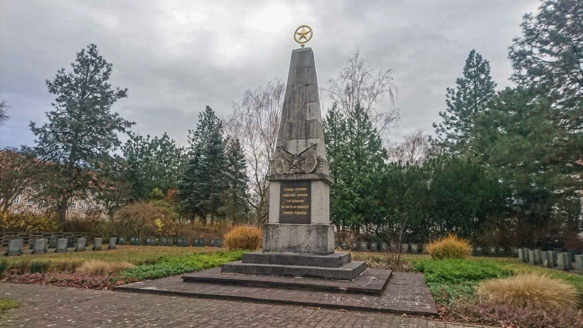 Obelisk Sowjetischer Ehrenfriedhof Rathenow