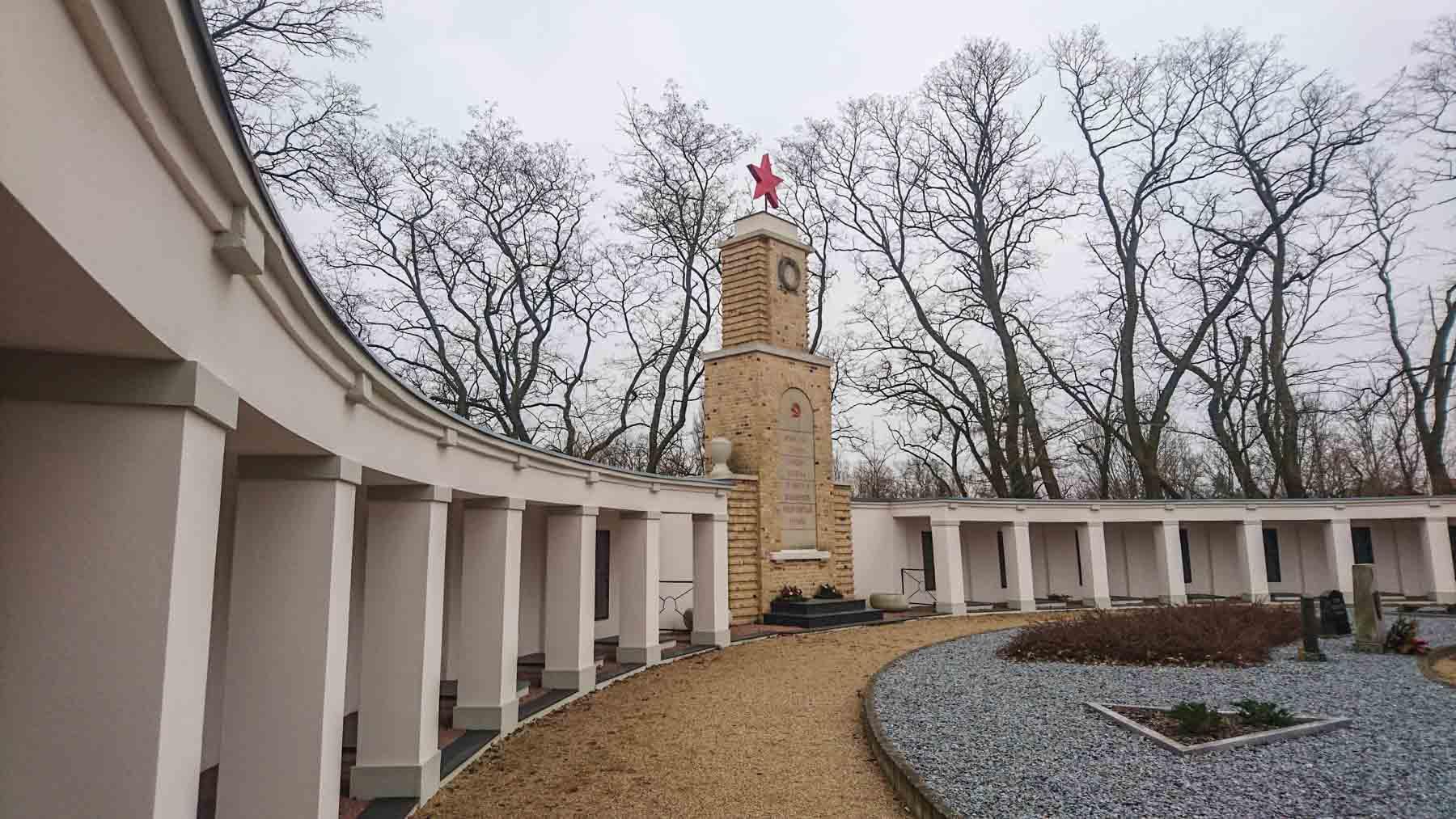 Sowjetisches Ehrenmal Kriegsgräberstätte Lebus
