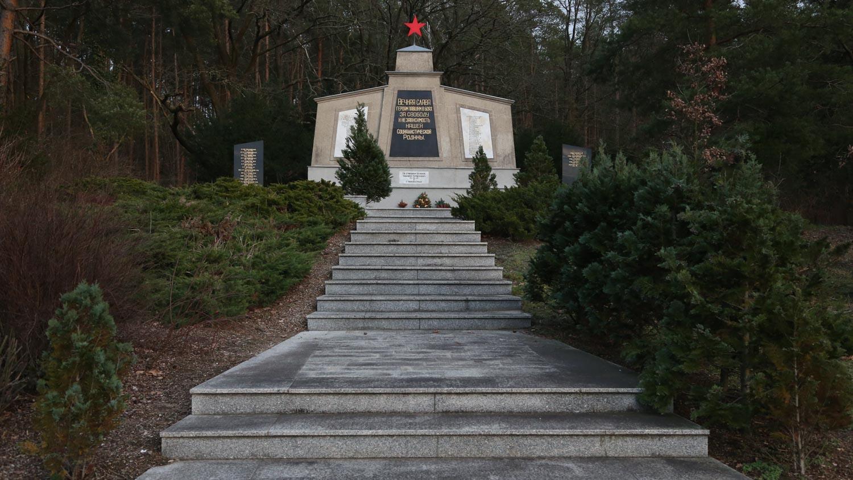 sowjetischer ehrenfriedhof grünheide mark bei berlin