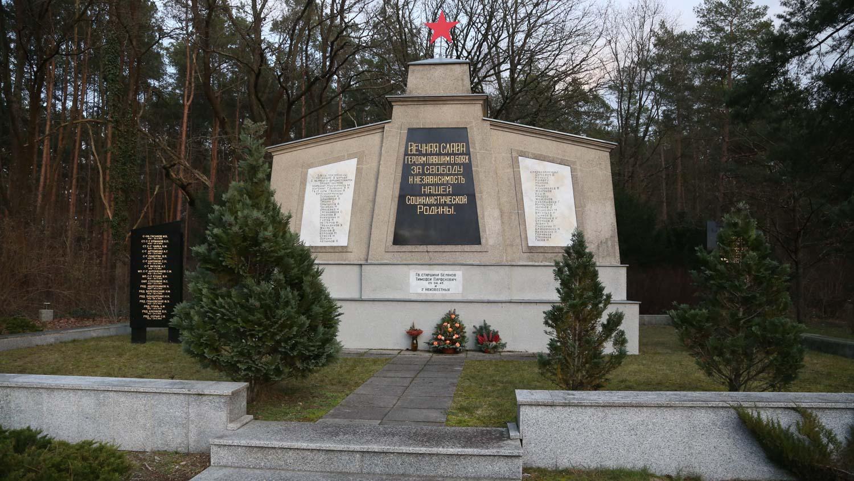 sowjetischer ehrenfriedhof grünheide mark