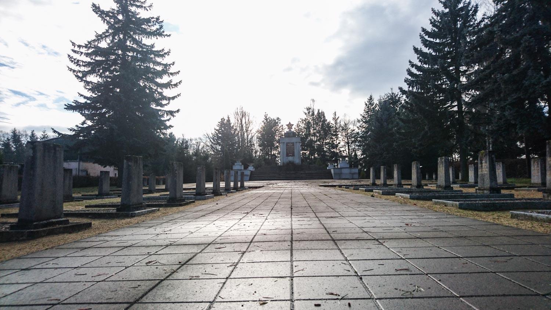 sowjetischer ehrenfriedhof schönewalde (elbe-elster)