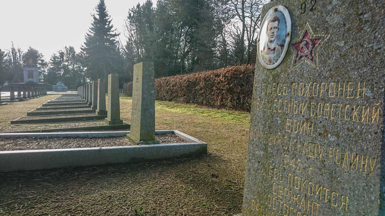 sowjetischer ehrenfriedhof schönewalde