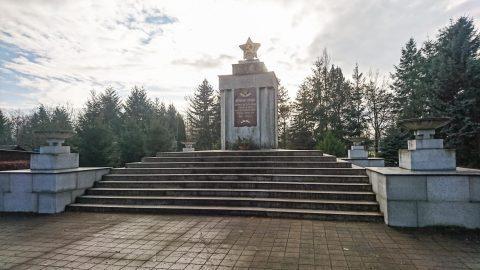 sowjetisches ehrenmal in schönewalde (elbe-elster)