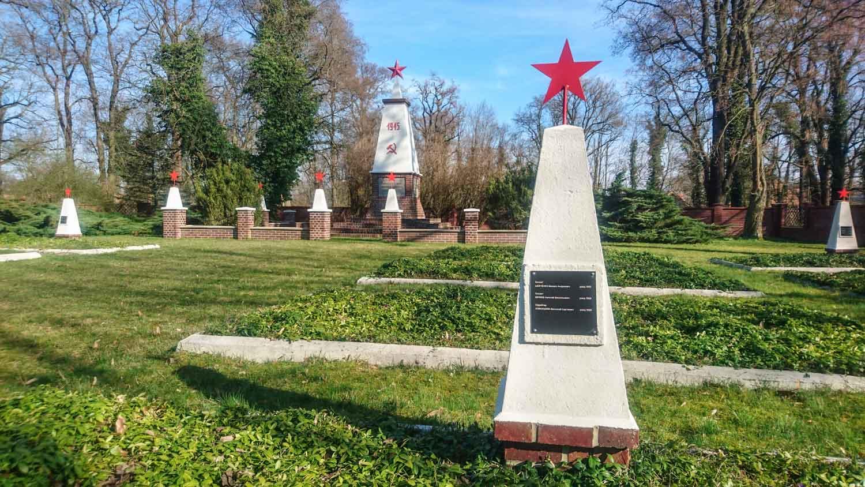sowjetischer ehrenfriedhof in beeskow (landkreis oder-spree)