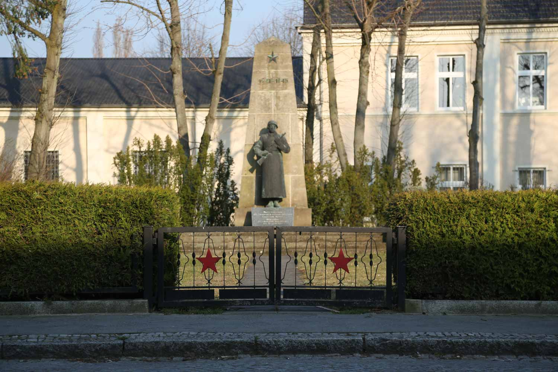 sowjetisches ehrenmal kyritz (prignitz)