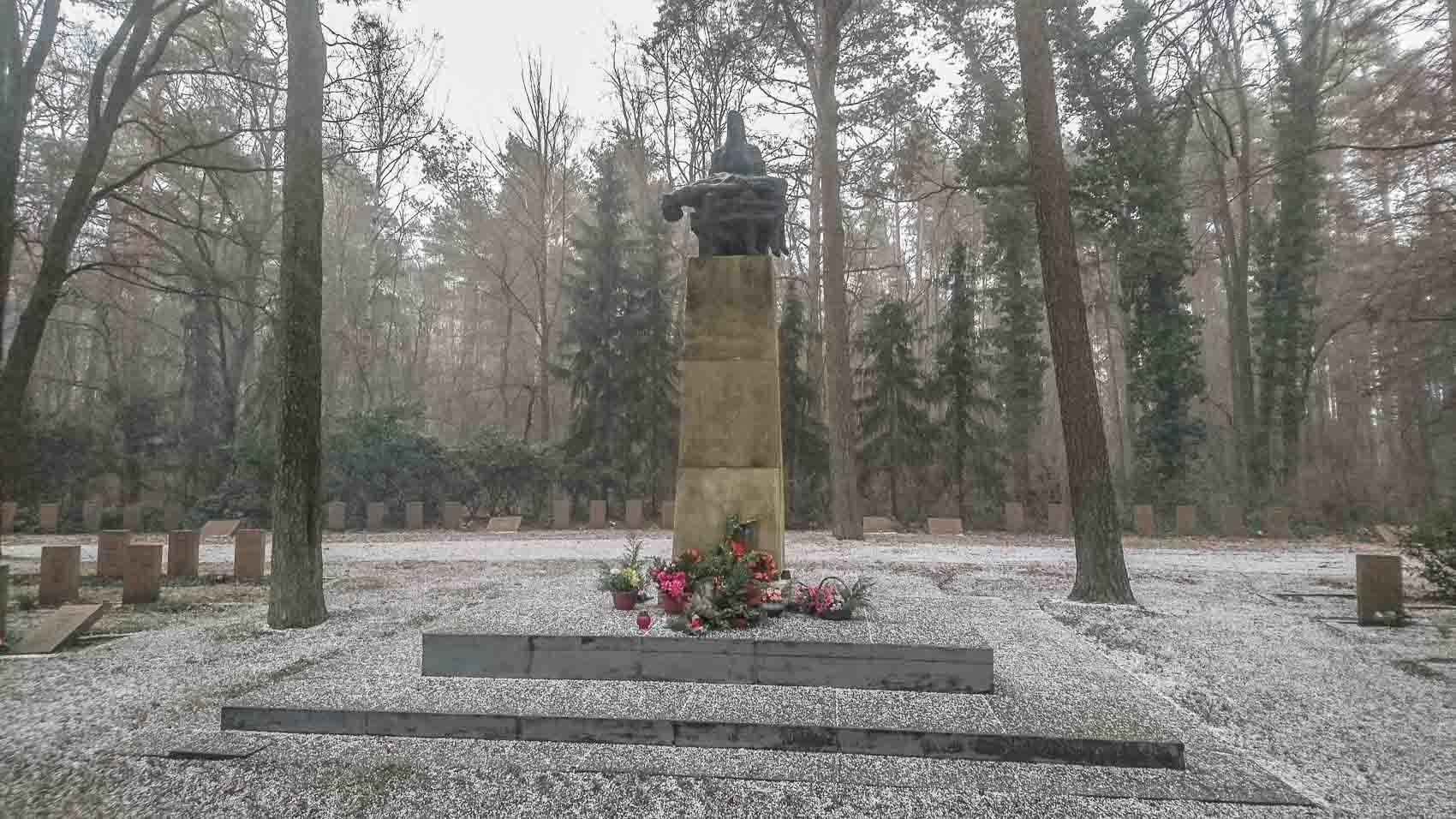 Ehrenmal Sowjetischer Friedhof Cottbus