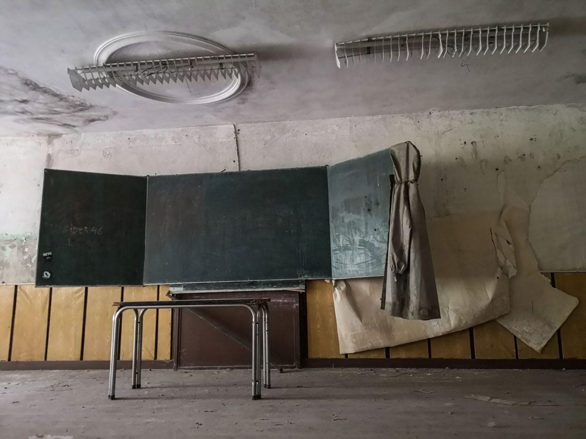 Tafel Lost Places sowjetische Schule
